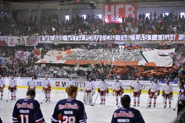 Die Fans des FCB Südirol  im Vorjahr in der Eiswelle (Foto: Pattis)