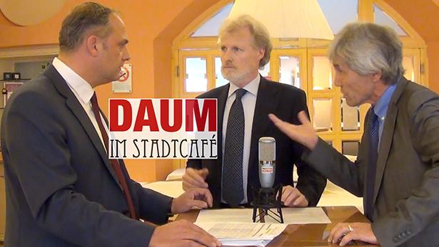 Werner Tschurtschenthaler (links) bei Daum im Stadtcafè