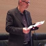 Hans Heiss bei der Vorlesung des Berichts