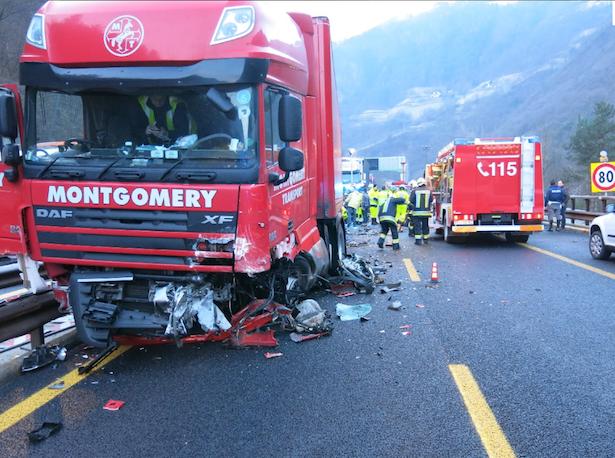 Der in den Unfall verwickelte LKW (Foto: FF Klausen)