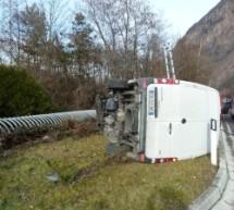 Umgekippter Lieferwagen