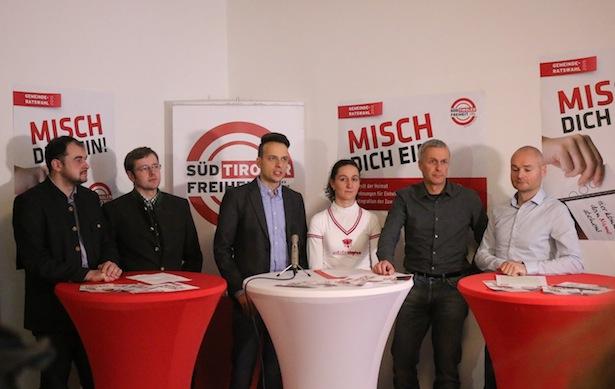 Die Pressekonferenz der Süd-Tiroler Freiheit