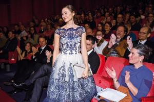 Lissy Pernthaler im Berlinale-Palast:  Großer Auftritt beim Kinodebüt der Kalterer Schauspielerin (Foto: Lisa Winter)