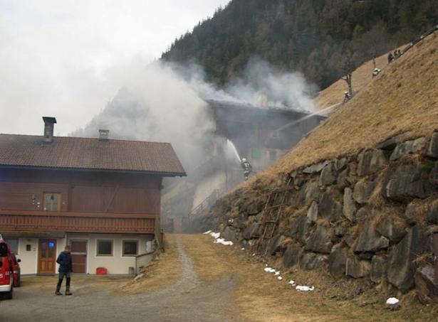 Der Brand in Uttenheim (Fotos: FF Uttenheim)