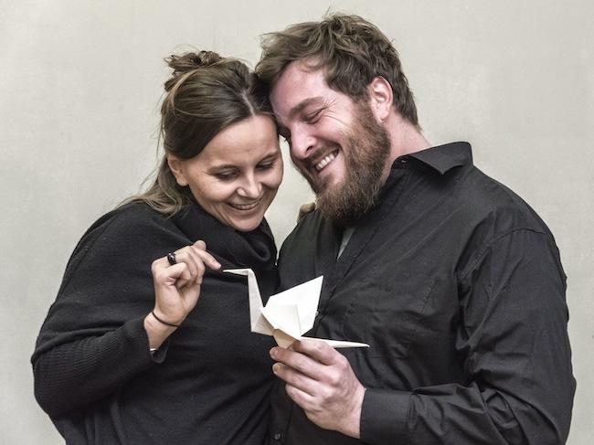 Philipp Rudig und Karin Verdorfer: Kein lustiges Thema fürs Theater, aber ein Thema das brennt! (Foto: Arnold Ritter)