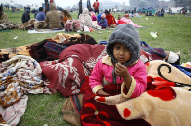 Erdbebenopfer in Nepal (Foto: AdnKronos)