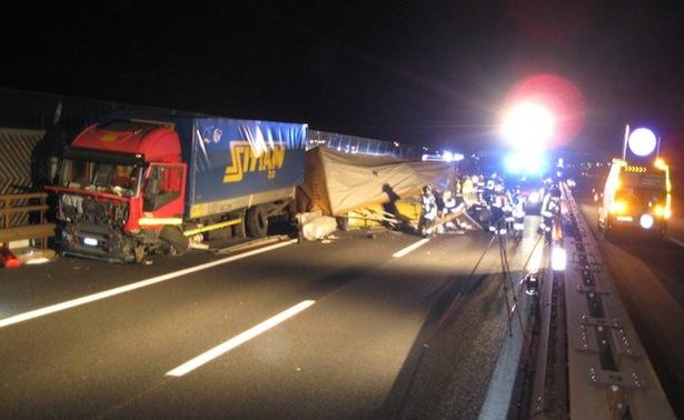 Der Unfall (Fotos: FF Neumarkt)
