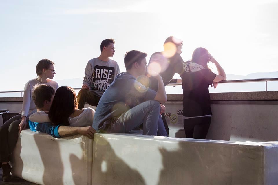 VBB–Jugendtheaterclub: Proleten hassen sie, Fremde sind ihnen verdächtig, Lehrer egal.