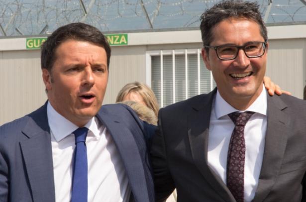Matteo Renzi mit Arno Kompatscher am Dienstag am Flughafen in Bozen