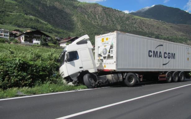 Der Unfall in Tschars (Foto: Berufsfeuerwehr Bozen)