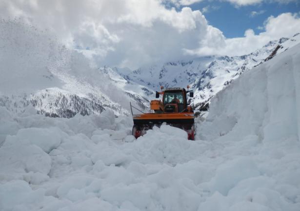 Schneeräumung am Timmelsjoch (Foto: LPA)