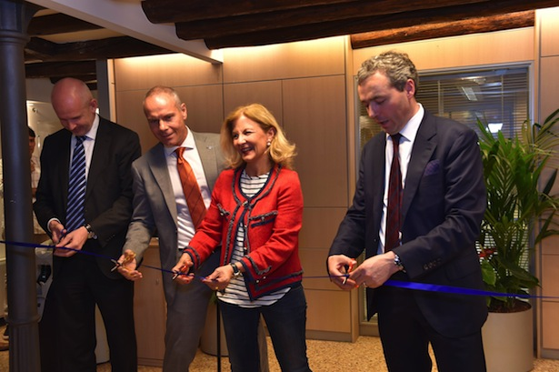 Volksbank-Präsident Otmar Michaeler bei der Eröffnung der Filiale in Venedig
