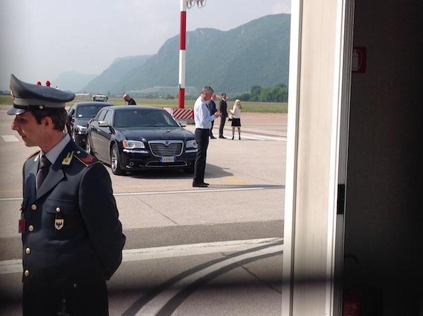 Der LH und die Regierungskommissärin warten auf den Ministerpräsidenten