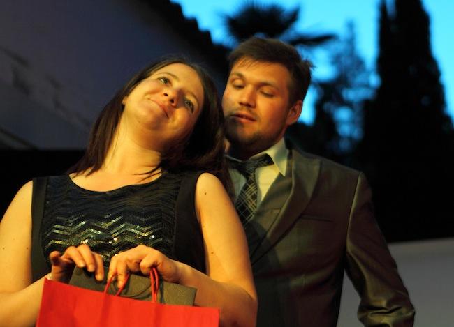 Marie Theres Zingerle und Florian Zingele: Drei Frauen, ein Mann und viele Fragen.