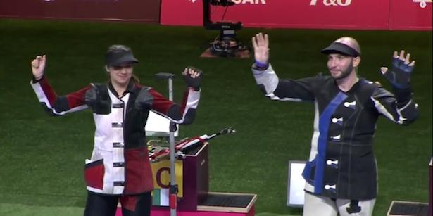 Petra Zublasing und Niccolò Campriani nach ihrem Sieg bei den Europaspielen in Baku 2015