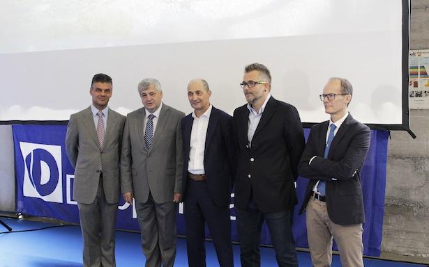 Bürgermeister Harald Stauder, Landesrat Florian Mussner, Geschäftsführer Othmar Eisath, Projektleiter Hannes Pircher, Ingenieur Dino Veronesi