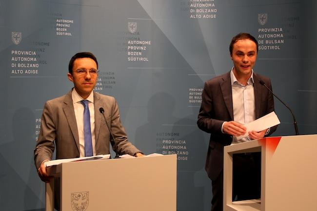 Kulturlandesräte Christian Tommasini und Philipp Achammer: Das Gesetz ist von einem liberalen, europäischen Geist getragen, ist offensiv zukunftsgerichtet und nimmt Abschied vom ethnischen Bedrohtsein.