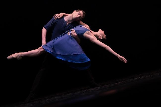 Ballet de l'Opéra National du Rhin: Seidiges zum Anfang (Foto: Jean-Luc Tanghe)