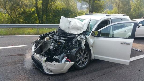 Der Unfallwagen (Fotos: FF Lana)