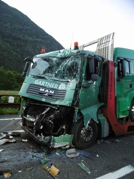 LKW Unfall vahrn (461x615)