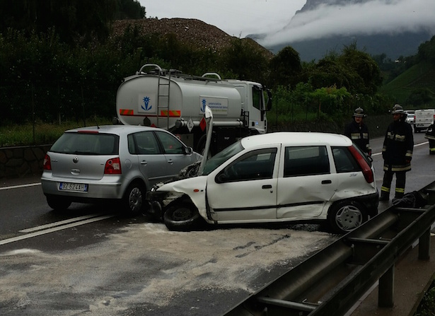Crash in Eppan (Fotos: FF St. Pauls)