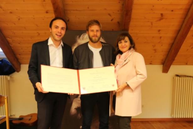 Die Kultur-Landesräte mit dem Preisträger (Foto: lpa)