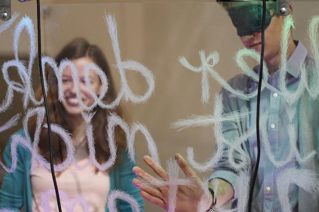 Schüler bei Kunst Meran: Künstlerischer Start ins neue Schuljahr. (Foto: Elisabeth Hölzl)