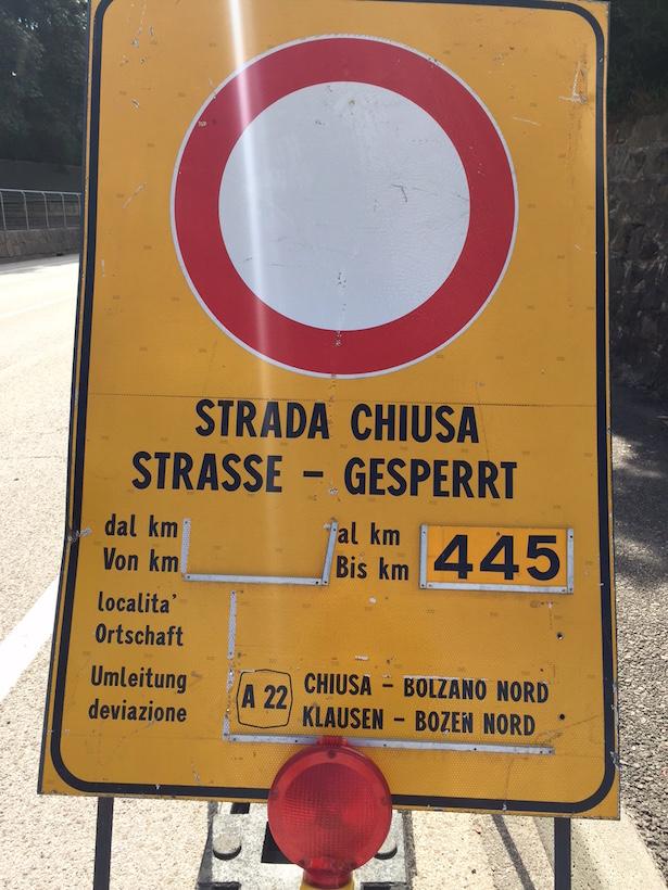 Gesperrte Staatstraße 12: Gewaltige Sprengung