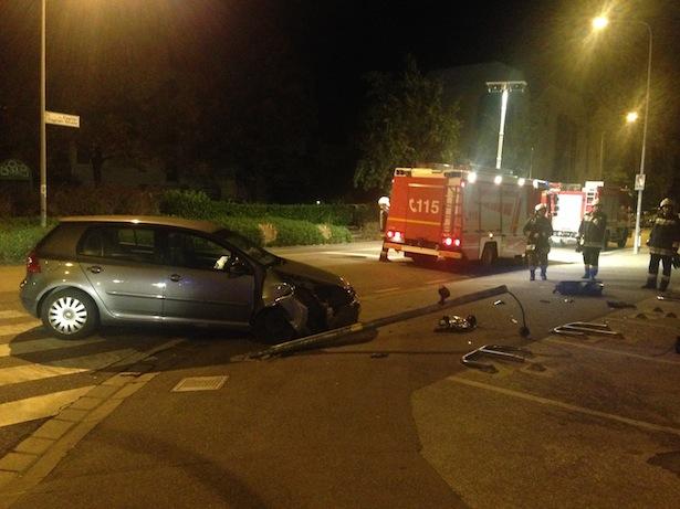 Der Unfall in Bozen (Foto: FF Bozen)