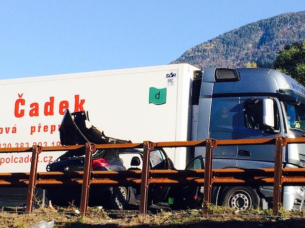 Der Unfall auf der Autobahn (Foto: Hansjörg Kofler)