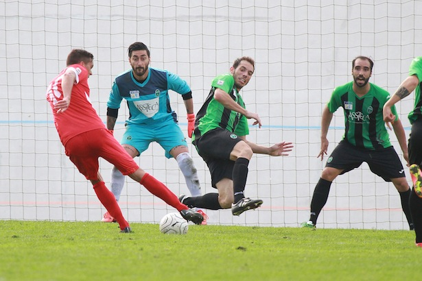 Hannes Fink im Spiel gegen Pordenone