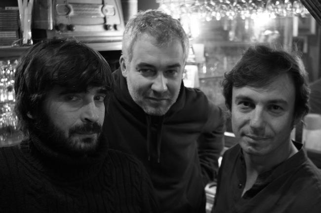 Aerophone: Die drei Herren mischen Rock'n'roll und Swing mit Gegenwartsjazz und zeitgenössischer Musik und nähern sich auch schon mal der Grenze zum Free-Jazz.
