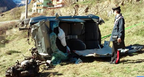 """Der Unfallwagen von Giorgio Tomasi (Fotos: """"L'Adige Online"""""""