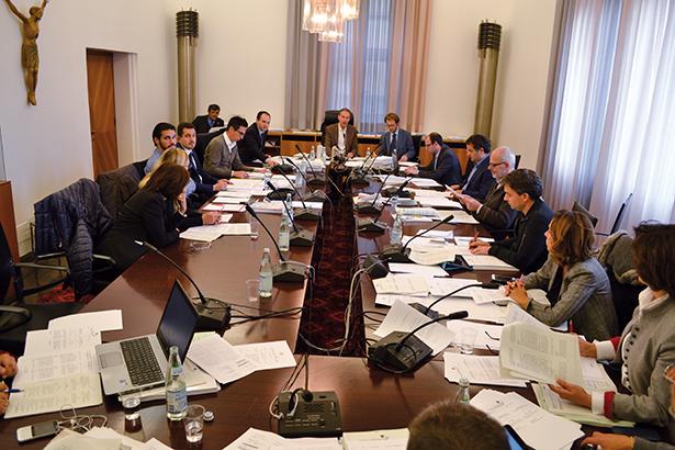 Die Sitzung der 3. Gesetzgebungskommission