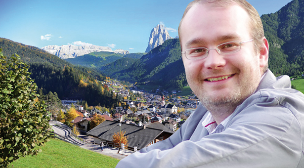 Der neue Bürgermeister von St. Ulrich, Tobia Moroder
