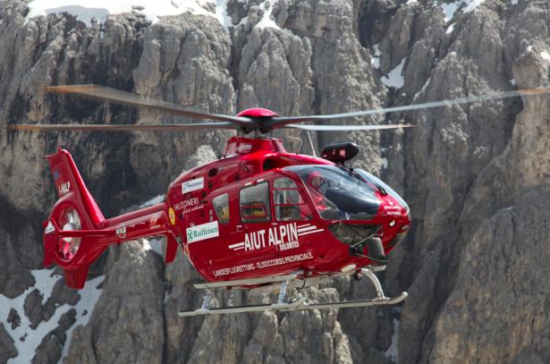 Der Hubschrauber des Aiut Alpin