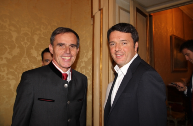 Richard Theiner mit Premier Renzi am Freitag in Rom