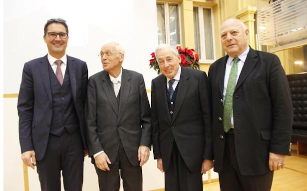 Landeshauptmann Kompatscher, Altlandeshauptmann Durnwalder mit den beiden Söhnen von Südtirols erstem Landeshauptmann, Karl Erckert