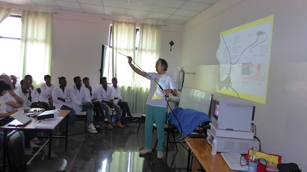 Dr. Toni Pizzecco bei der Schulung Gastroenterologie