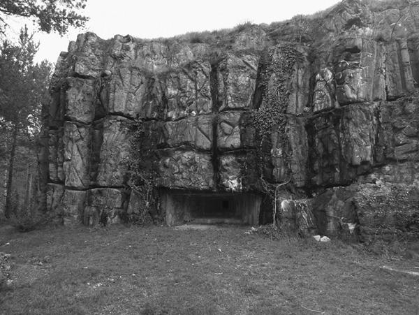 Bunkereingang: Der Führer spionierte den Duce aus (Foto: Heimo Prünster)