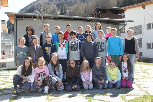 Freude über den dritten Platz für die Grundschule Prettau mit Klassenlehrerin Genoveva Mair