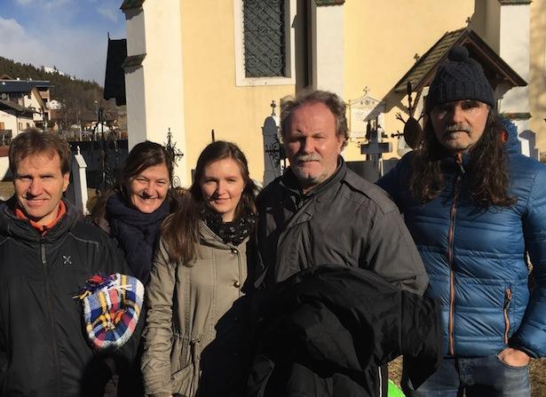 Max Leitner mit seiner Tochter und den Geschwistern am Samstag in Elvas (Foto: TAGESZEITUNG Online)