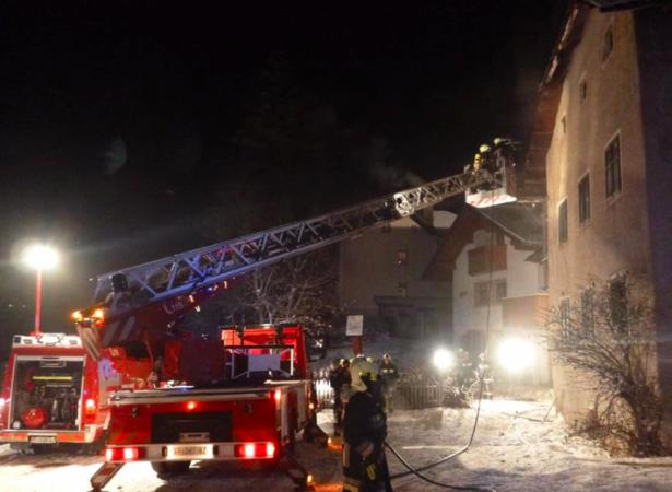 Der Brand in Pedratsches (Fotos: FF St. Kassian)