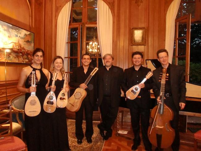 Ensemble Artemandoline: Höfische Musik aus Frankreich und Italien