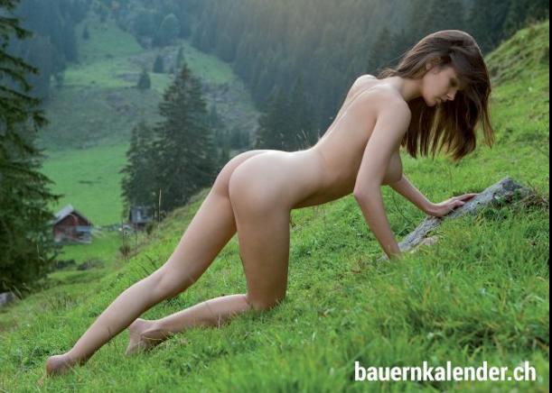 """Die Fotos aus dem Kalender """"Alpengirls"""" (www.bauernkalender.ch)"""