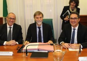 Die Vertragsunterzeichnung in Rom (Fotos: Lpa/Tasser)