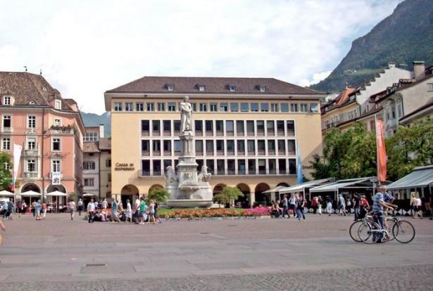 sparkassenhaus waltherplatz