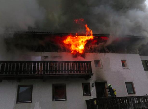 Das Schadenfeuer in Hofern (Foto: FF Terenten)