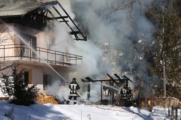 Der Brand in Gfrill (Fotos: FF Naraun)