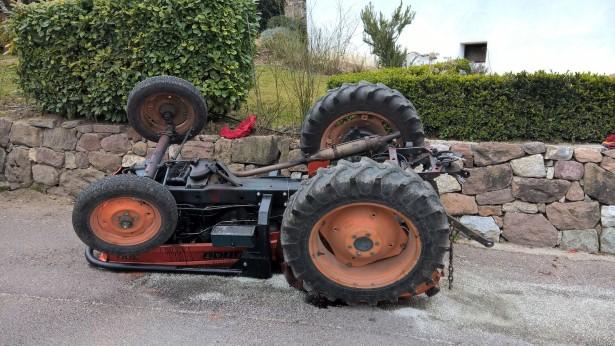 Der Unfalltraktor (Foto: FF Oberplanitzing)